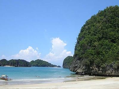 Caramoan Beach